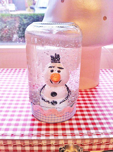 Maak je eigen Schudbol / schudpotje met olaf bij Frozen feestje bij www.pink-cherry.nl