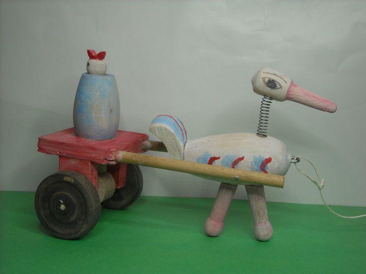 A Les jouets qui bougent - Ces vieux jouets en bois qui bougent