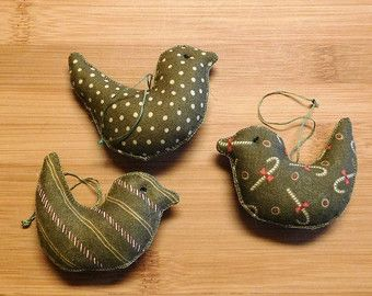 Primitive Christmas Green Mittens Ornaments Bowl by KringleCottage