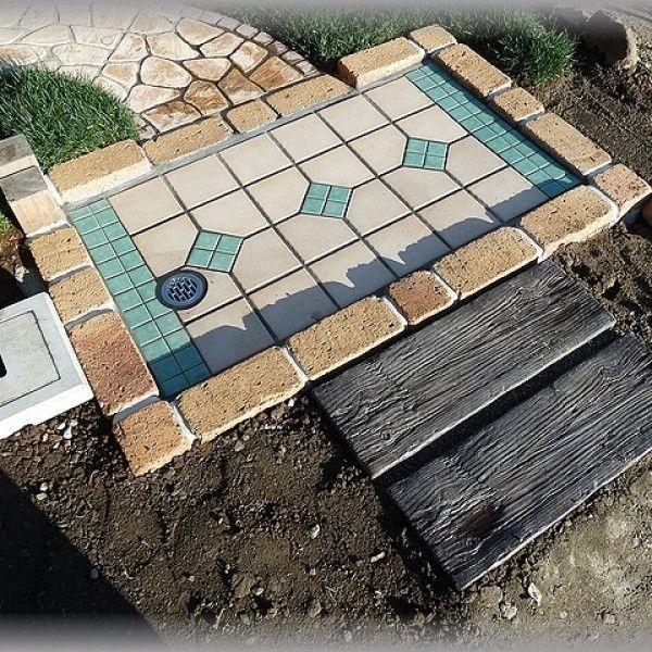 ガーデニングはレンガを使っておしゃれ度アップ♪簡単DIYアイデア14選 ... レンガでお庭の足の洗い場基礎と排水口を作ろう!