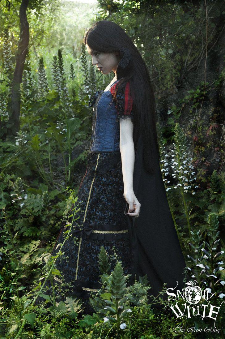 Gothic Snow White by TheIronRing on DeviantArt