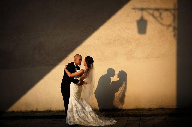 Cracow Old Town bridal photoshoot by www.annarenarda.com Plener ślubny w Krakowie