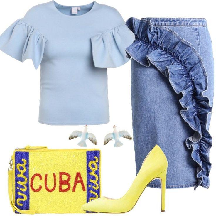 L'outfit è composto da una maglia a maniche corte, una gonna in denim a tubino in 100% cotone, un paio di tacchi gialli e da una particolare pochette.