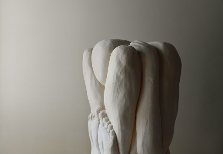 Giovanni Longo / Uomini compressi 3x3-1 (det.), 2008-2010 > https://www.facebook.com/giovannilongo.art / #sculpture #scultura #terracotta #arte #art