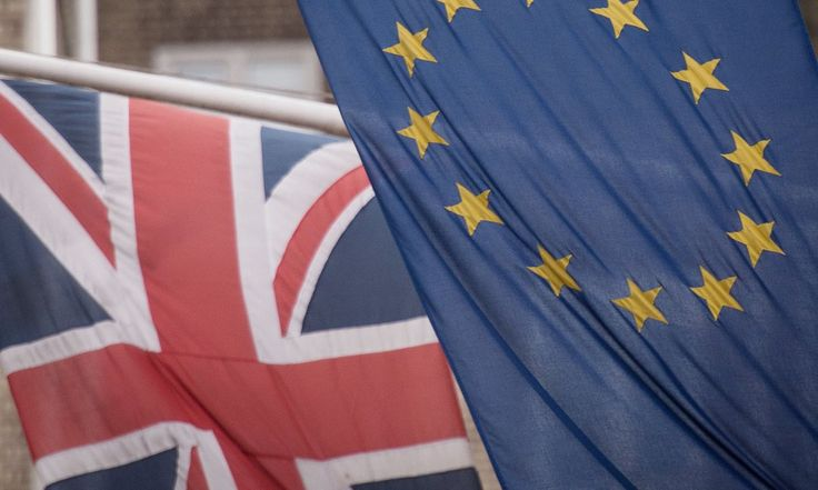 EU referendum: poll shows young voters could hold key in June vote
