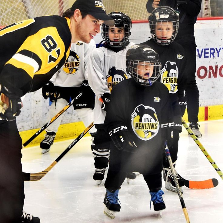 """292 Likes, 1 Comments - Pittsburgh Post-Gazette (@pittsburghpg) on Instagram: """"Penguins captain Sidney Crosby and other teammates surprised 100 kids today during practice at the…"""""""