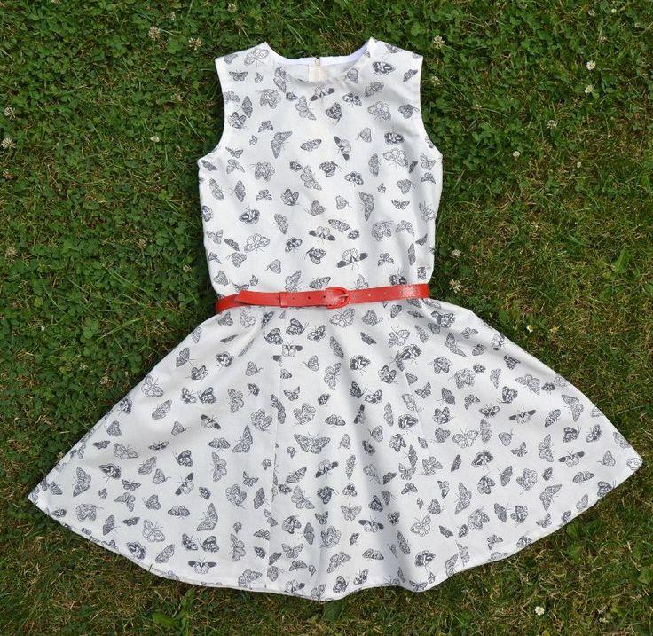 Podrobný návod a střih na ušití dětských letních šatiček nebo šatové sukně.