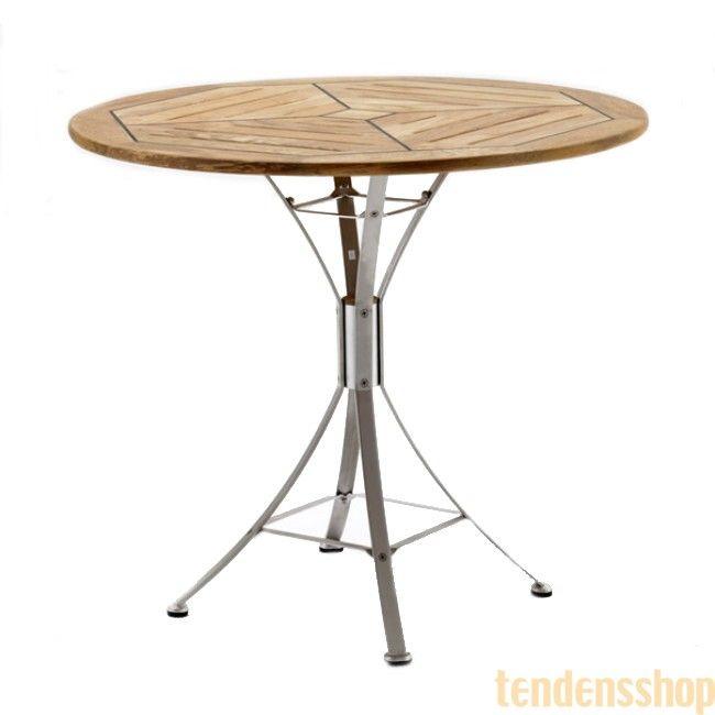 Cappuccion sammenklappelig havebord teak og rustfrit stål. Designet bringer tankerne hen på et skibsdæk #havebord #kircodan #design