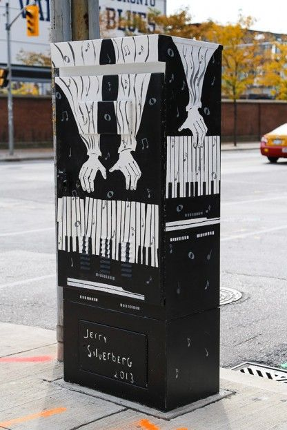 Painted Utility Boxes in Toronto Location: Bedford Road & Bloor Street Artist: Jerry Silverberg