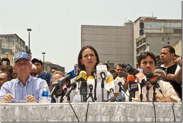 #UnidadEnLaCalle convoca el domingo marcha contra la injerencia cubana en la FANB - http://www.leanoticias.com/2014/03/13/unidadenlacalle-convoca-el-domingo-marcha-contra-la-injerencia-cubana-en-la-fanb/