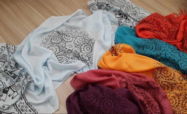 El yapimi tahta baskı pashmina şal. -turkuaz -nar -mor -gül kurusu -turuncu -buz mavisi -vizon -ekru   #pashmina #şal #scarves #handemade #ottomanart #hittiteart #elsanatları #colours #fashion #instafashion #instasanat #instaart #art