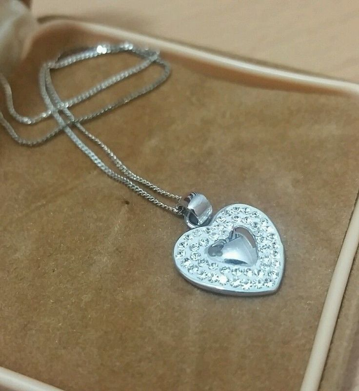925 STERLING SILVER HEART SHAPED PENDANT WITH BRIGHT CRYSTALS & CHAIN in Jewellery & Watches, Fine Jewellery, Fine Necklaces & Pendants | eBay