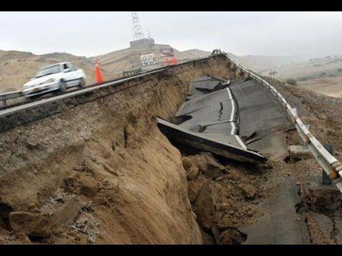 Alerta en Perú : La tierra 'se abre' implacablemente y siembra el miedo .