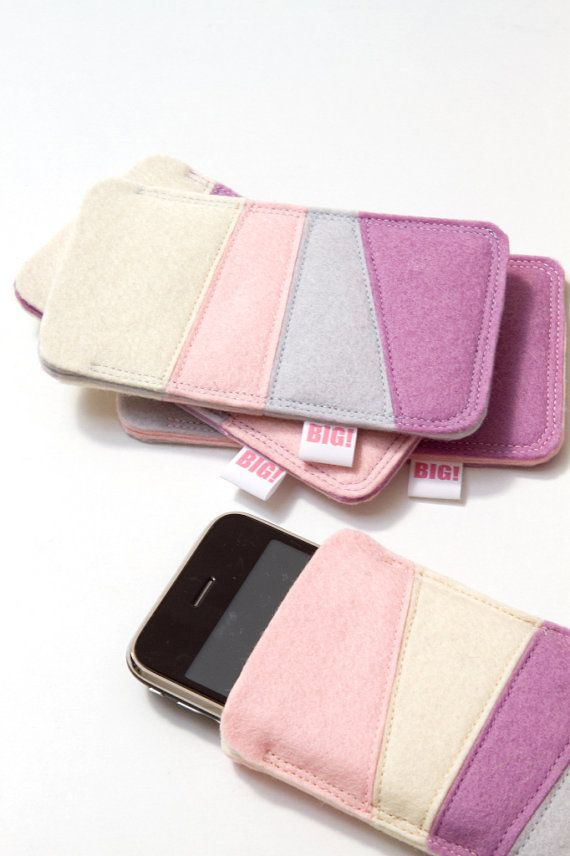 Felt cell phone cover for Iphone and smartphone  by StudioBIG, €17,50