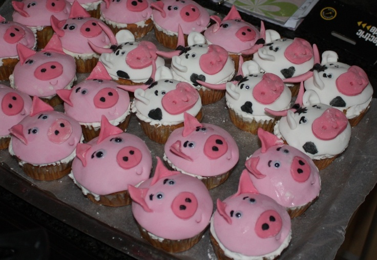 Mikaela animal cupcakes