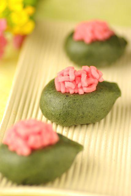 引千切  Hichigiri  Japanese Sweets for March, 3rd. Girls day ひな祭りのお菓子. 3月3日、弥生(やよい)の節句。