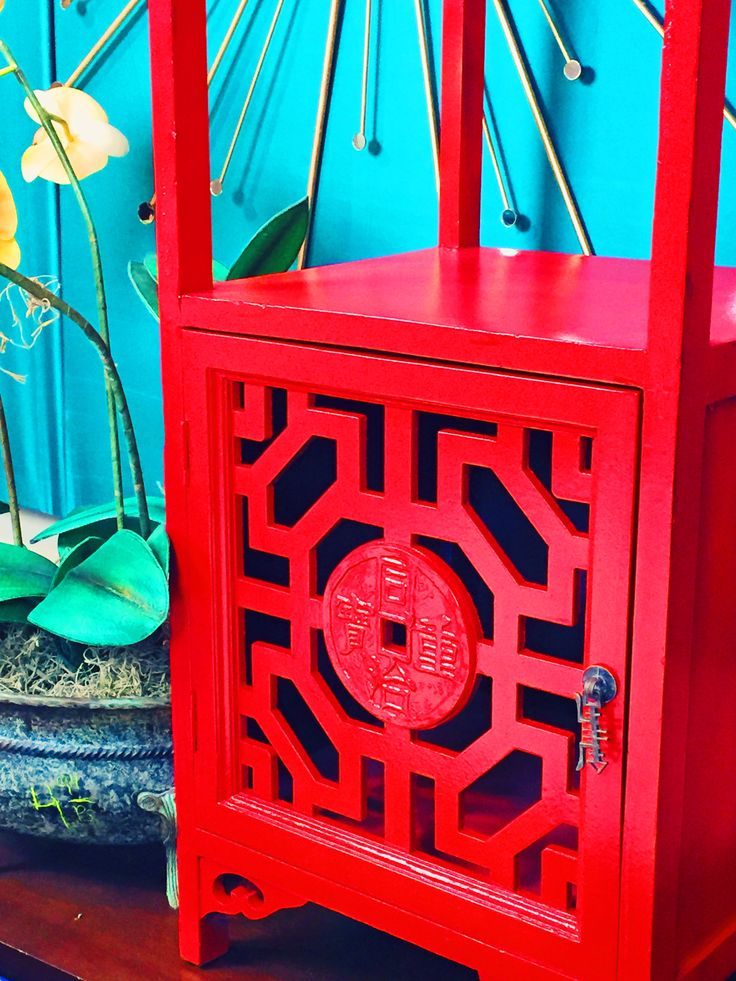 Repurposed Thrift Store Furniture Using Amy Howard At Home High Performance  Lacquer Spray Paint! Www