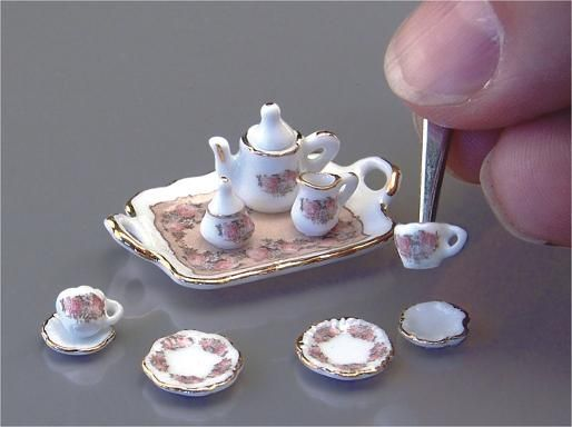 1:24 Antique Rose tea set
