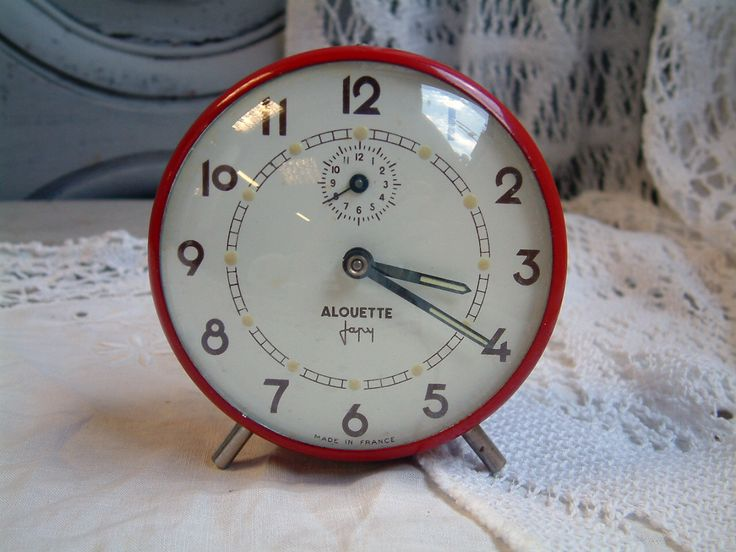 Vintage French mid century mechanical red alarm clock. French cottage. Farmhouse. shabby chic. Mid century. Fire engine red by Chanteduc on Etsy https://www.etsy.com/listing/466873527/vintage-french-mid-century-mechanical