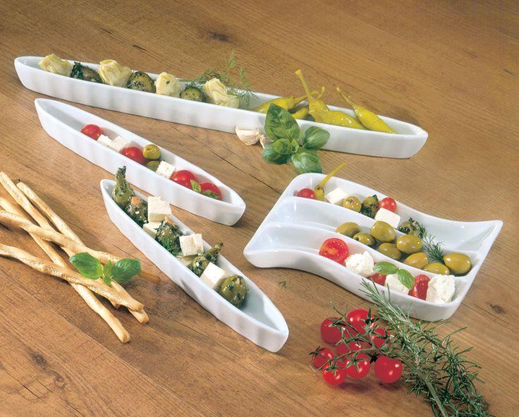 Antipasti serveer set  Description: Serveer uw olijven tomaten pepers etc. op de Italiaanse manier. Nu wil iedereen graag uw hors d??uvres proeven. Gemaakt van wit porselein. Vaatwasserbestendig. Afmetingen: 2 schalen: 25 cm lang 1 schaal: 41 cm lang 1 schaal: 18 x 16 cm.  Price: 15.99  Meer informatie