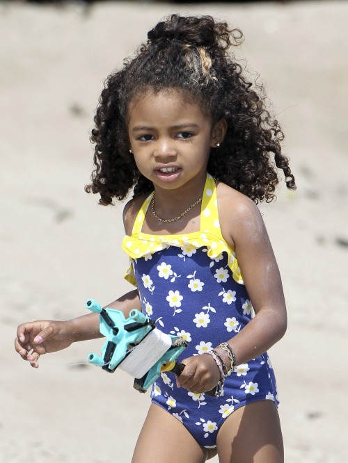 Heidi Klum  Kids Hit The Beach