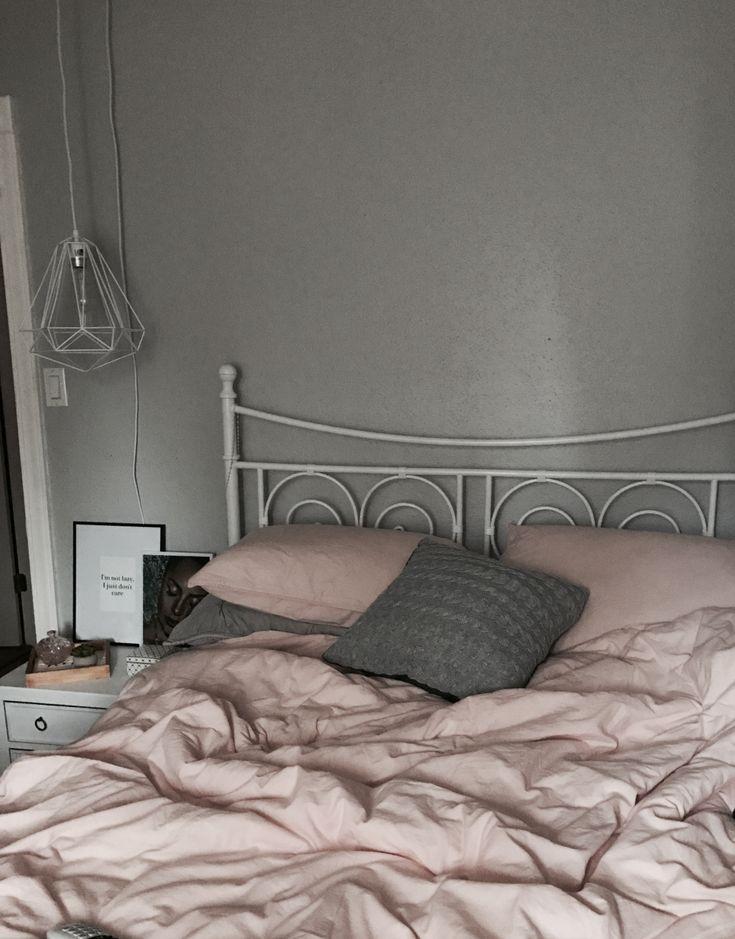 The 25 best dusty pink bedroom ideas on pinterest dusty for Dusty rose bedroom ideas