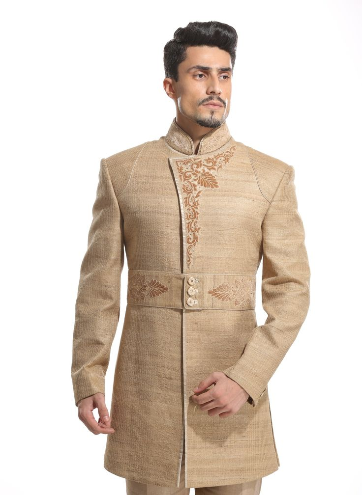 Wedding Couture for Men took a new turn with this exclusive light beige indo western design jacket with trousers by Diwan Saheb. Find it here :http://ctaare.com/stores/diwan-saheb/light-beige-indo-western-with-trousers.html