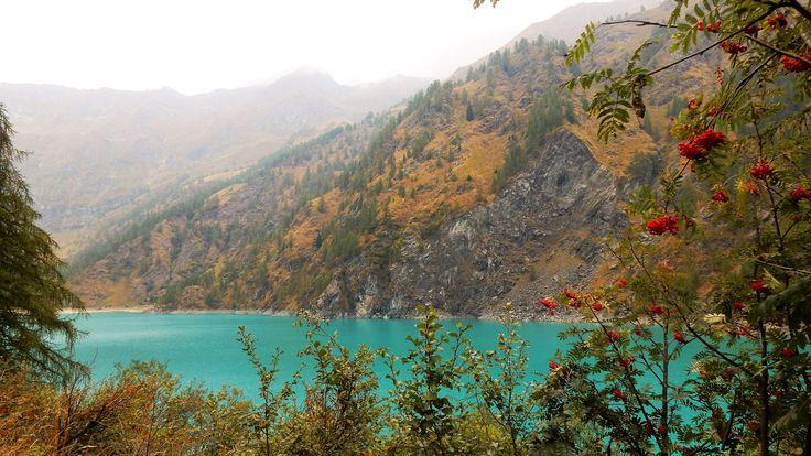 Continuo l'esplorazione della Valle Antrona.Oggi ti porto al Lago dei Cavalli, E' una meta da non perdere per escursionisti e amanti della natura.