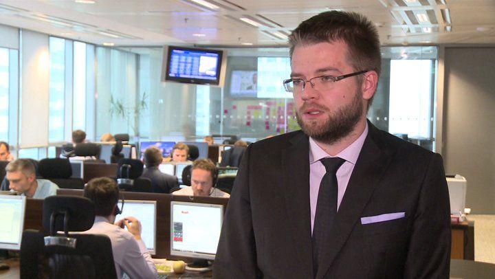 """SkonFUNTowany rynek walutowy -   W nocy funt brytyjski zanotował tzw. """"flash crash"""", nurkując poniżej 1,20 względem dolara i w pobliże 4,60 względem złotego. Na wejściu Europy postępuje odreagowanie z pomocą łowców okazji, ale nerwowość pozostaje. Poza tym czekamy na raport z rynku pracy USA. """"Co się stało?"""" i """"Gdzie był dołek?... http://ceo.com.pl/skonfuntowany-rynek-walutowy-19430"""