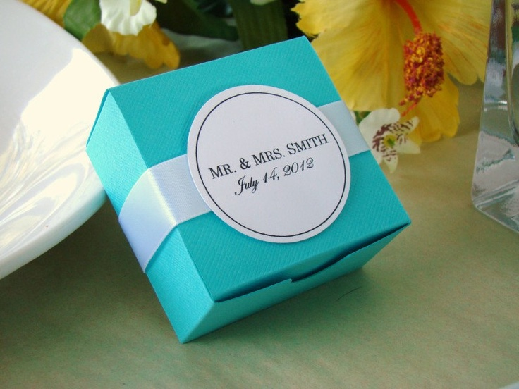 Tiffany Blue Wedding Favor Boxes With Personalized White Tag And