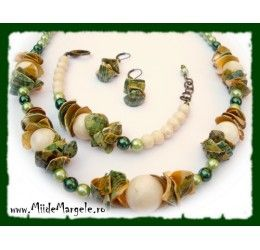 Set bijuterii cu scoici si perle