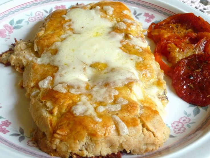 SPLENDID LOW-CARBING BY JENNIFER ELOFF: CREAMY CHICKEN PIES ENVELOPED IN FLAKY PIE CRUSTS - Loved this!  Reminded me of a cross between chicken pie and Costco Chicken Bake! Visit us for more great recipes at: https://www.facebook.com/LowCarbHitParade