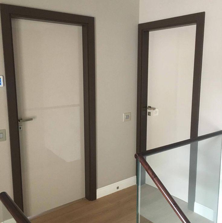magasfényű beltéri ajtó(k)