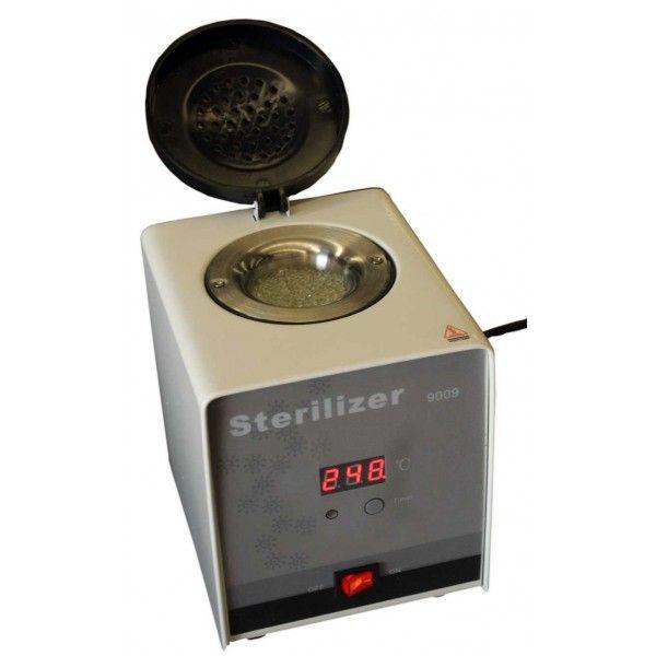 Επαγγελματικός Αποστειρωτής Κρυστάλλων Χαλαζία Ψηφιακός.   Αποστειρωτής χαλαζία ψηφιακός, είναι κατάλληλoς για την αποστείρωση μεταλλικών και κεραμικών εργαλείων μικρού μεγέθους.  Μικρός σε μέγεθος και πρακτικός στην μεταφορά. Φθάνει και διατηρεί θερμοκρασία 250 ° C σε 12 λεπτά, χρειάζεται μόλις 18 δευτερόλεπτα για να επιτευχθεί η εξάλειψη βακτηρίων των εργαλείων.  http://www.beautymark.gr/   62,00 € με Φ.Π.Α.