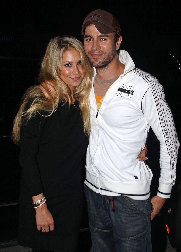 Enrique Iglesias And Anna Kournikova. Aren't they adorable :D