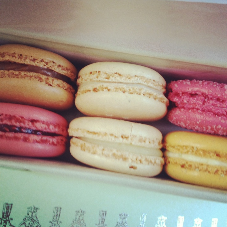 Ladur  233 e macaroons for a Monday snackMacaroons Laduree