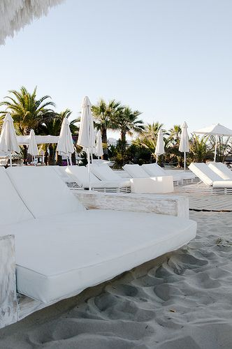 Ushuaia Ibiza Beach Club Restaurant, beautiful seaside dining - White Ibiza