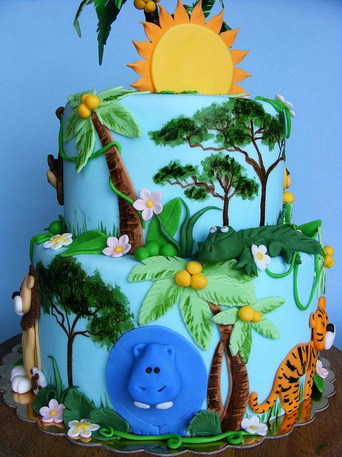 love the flat animals with some parts raised. Jungle cake | Flickr - Photo Sharing!
