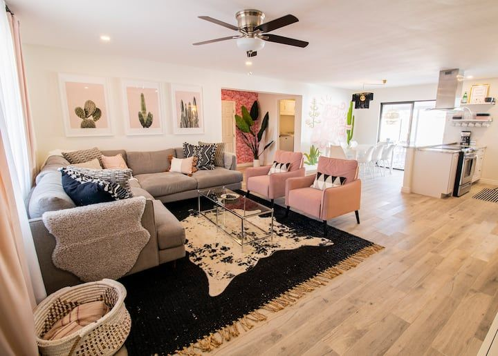 The Pink Cactus Houses For Rent In Scottsdale Arizona United States In 2021 Renting A House Scottsdale Apartments Sleeping Arrangement