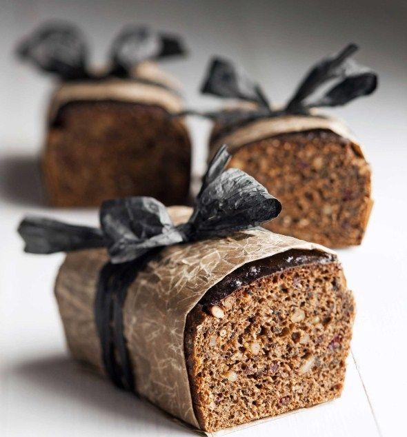 Traditional Finnish bread with rye, buttermilk, syrup and malt / Helppo saaristolaisleipä, resepti – Ruoka.fi