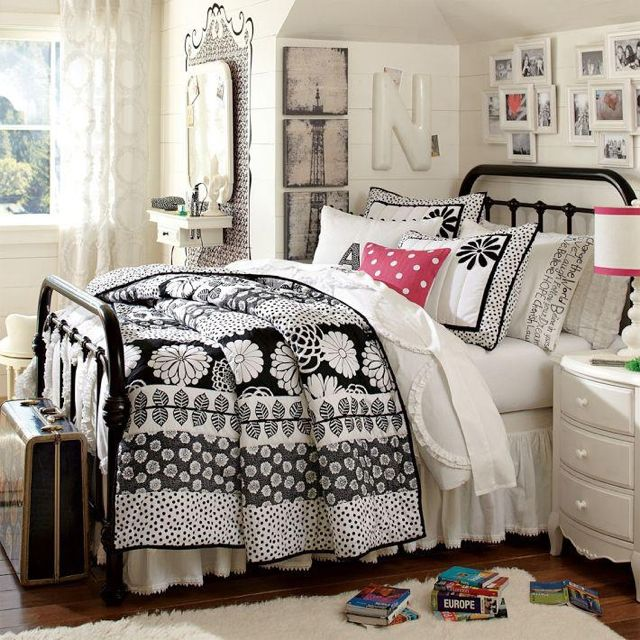 Pottery barn teen girls bed room cute room ideas for Black and white rooms for teens