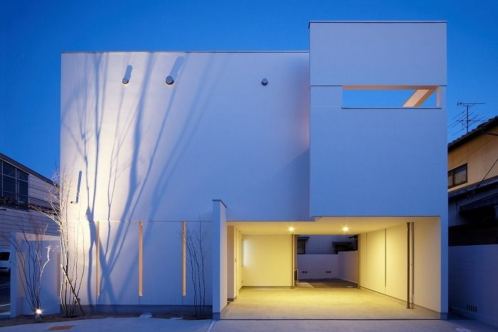 専門家:Mitsutoshi Okamotoが手掛けた、夜景(WHITE BOX)の詳細ページ。新築戸建、リフォーム、リノベーションの事例多数、SUVACO(スバコ)