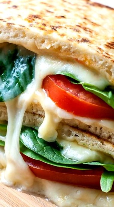 Spinach and Tomato Grilled Cheese Pita ❊