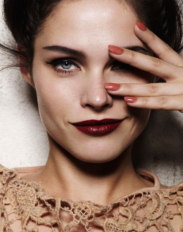 Sophisticated holiday beauty look: deep burgundy lips + neutral nails  // Photo by David Oldham