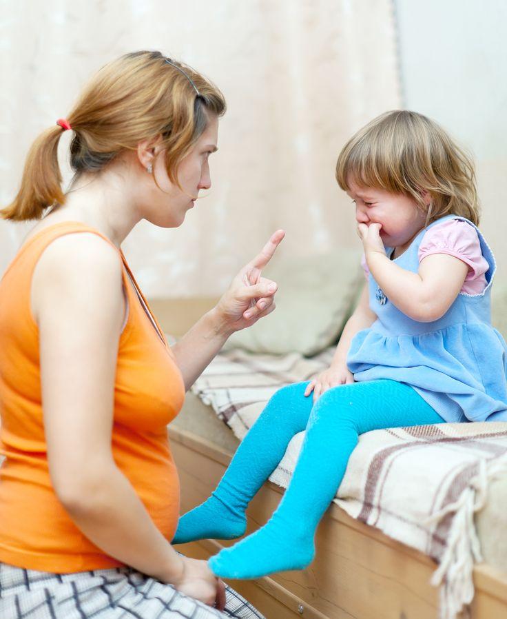 Un límite bien especificado con frases cortas y órdenes precisas suele ser claro para un niño. #Crianza #Maternidad