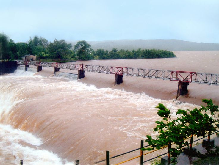 Radhanagari Dam #Kolhapur - One thing amazing about this #dam is that it is the first dam built in #India. Under the guidance of #RajarshiShahu, construction started in 1907 and end around 1954. #travels #tourism #destinations