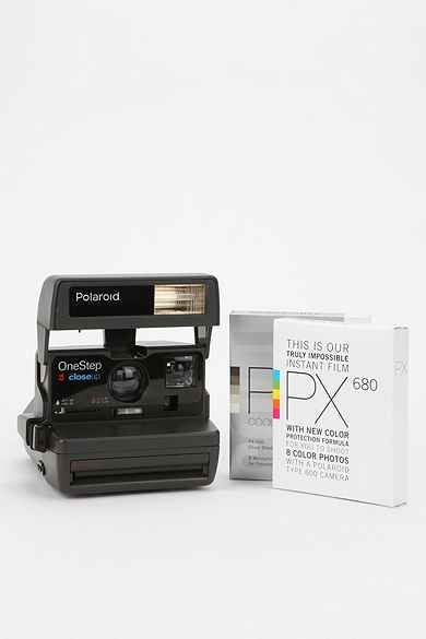 vintage polaroid 600 camera kit by impossible project Film connoisseurs will love the impossible project polaroid 600 instant camera (round green) it has automatic flash and quality development for snapshots indoors or outdoors.