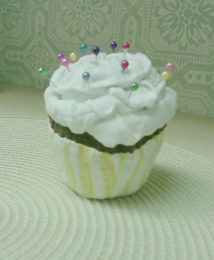 My first cupcake pin cushion