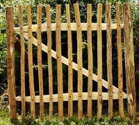 Chestnut fencing gate, garden gate, portillon ganivelle, gartentor kastanienzaun, puerta jardin castaño, tuinpoort hekwerk kastanjehout