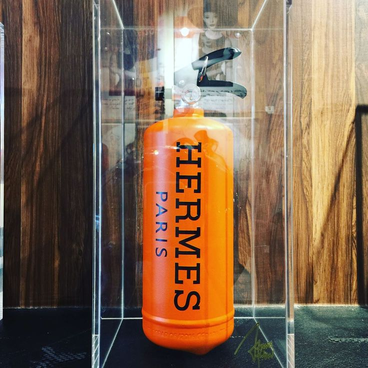 #fireextinguisher #object #hermes #エルメス #edition10 #masterpiececllection #1点のみ #lifeaccent #ライフアクセント #gallerylifeaccent #ギャラリーライフアクセント #青山 #表参道 #骨董通り #希少 #オシャレ #fashion #luxury  #cool #interior #popart #pop #rich #lifestyle #cute #happylife
